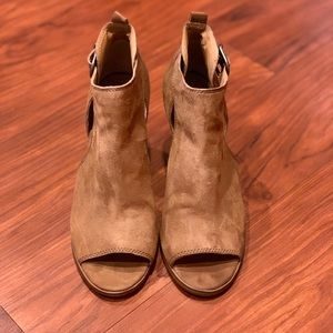Women's Size 9 Lucky Brand Wedges